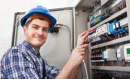 Có nên học cao đẳng Công nghệ kỹ thuật điện điện tử?