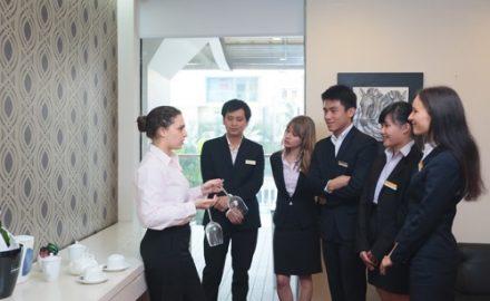 Cơ hội làm việc ngành quản trị khách sạn