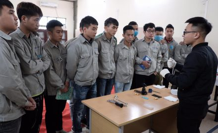 Lễ bảo vệ đồ án tốt nghiệp của sinh viên Khoa Điện – Điện tử – Điện lạnh theo tiêu chuẩn Daikin