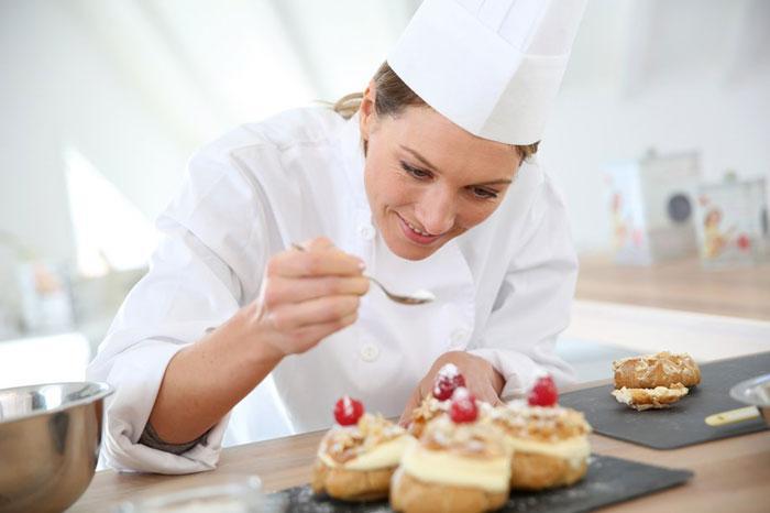 Bếp bánh là gì ? thu nhập của nghề bếp bánh bao nhiêu ?